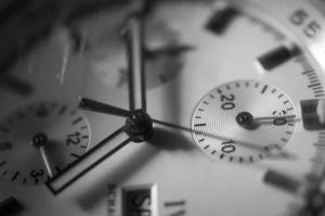 How to use analog watch as a compass