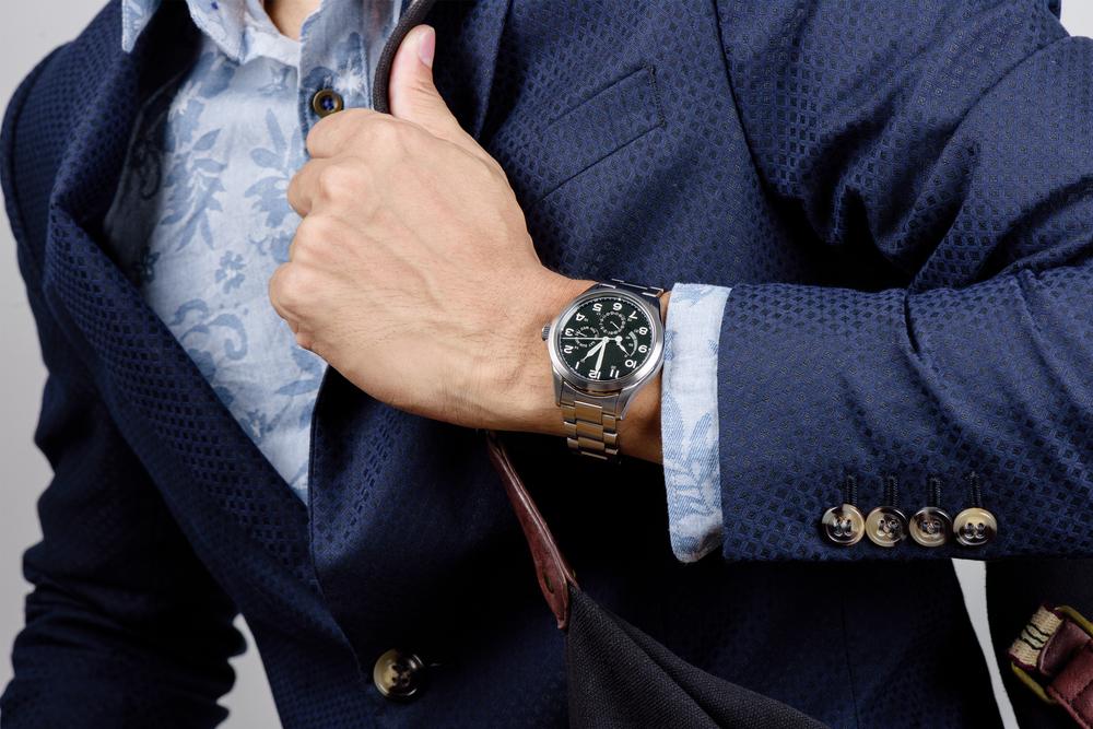 rules of wearing wristwatch