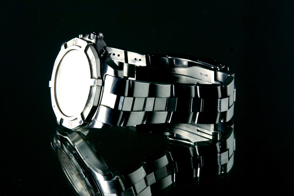 most popular watch materials