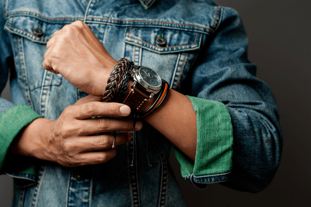 How To Wear A Watch With Bracelet