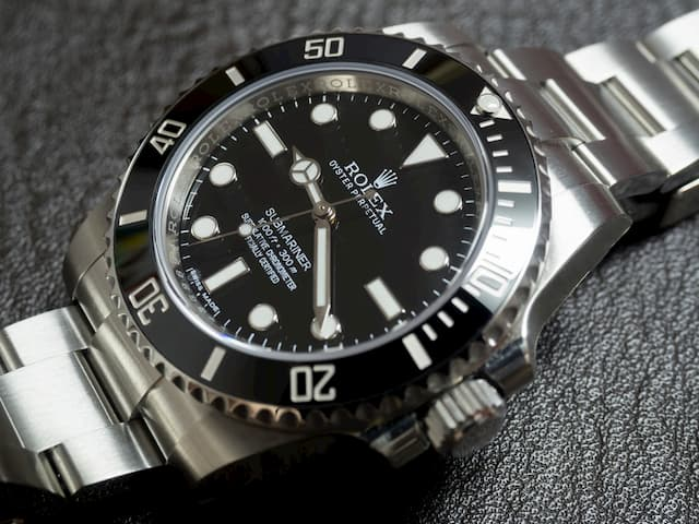 How long should a Rolex Submariner be on a watch winder