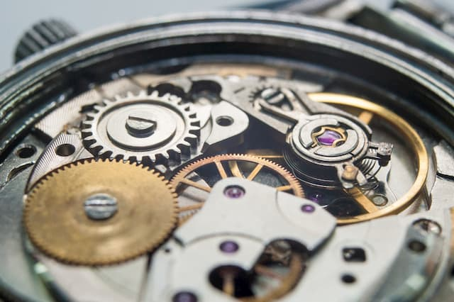 auto watch movement